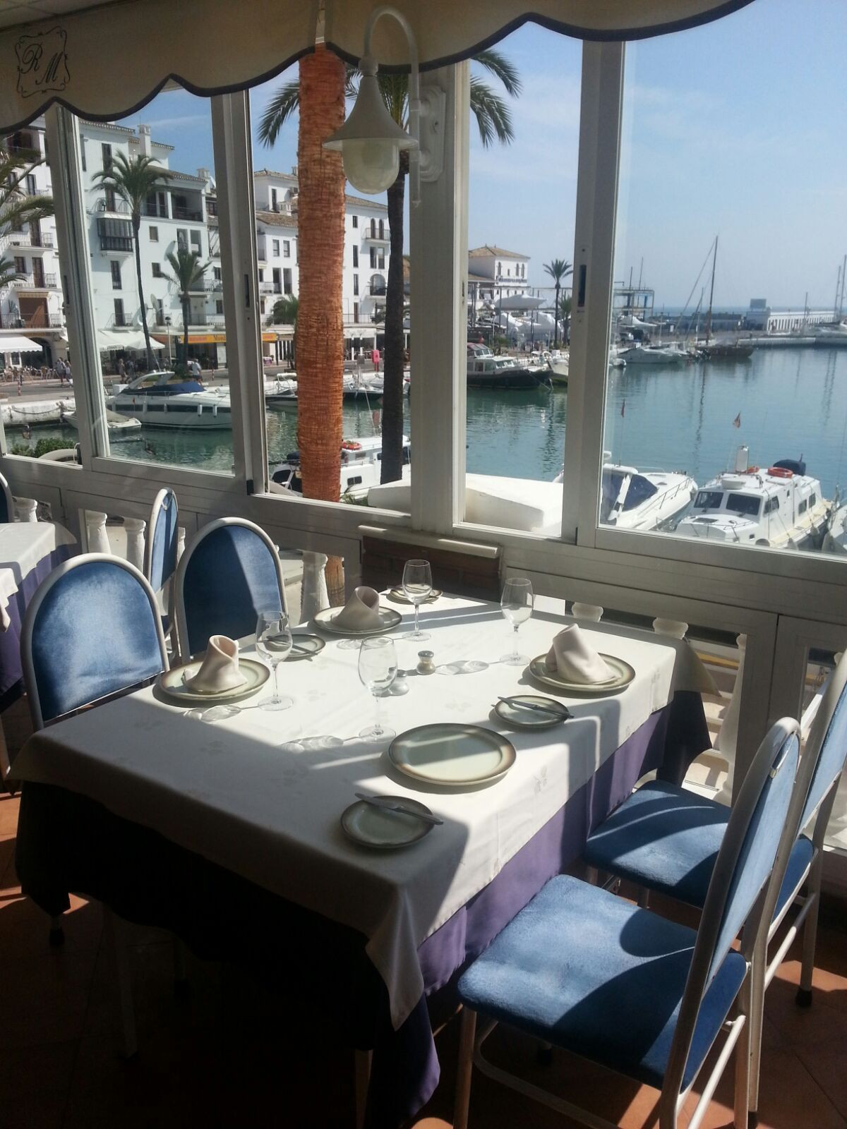 This charming south facing restaurant in the port of Duquesa is in excellent condition and has exqui,Spain