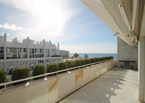 Elegant three bedroom apartment in one of the most emblematic buildings in Marbella. A perfect locat, Spain