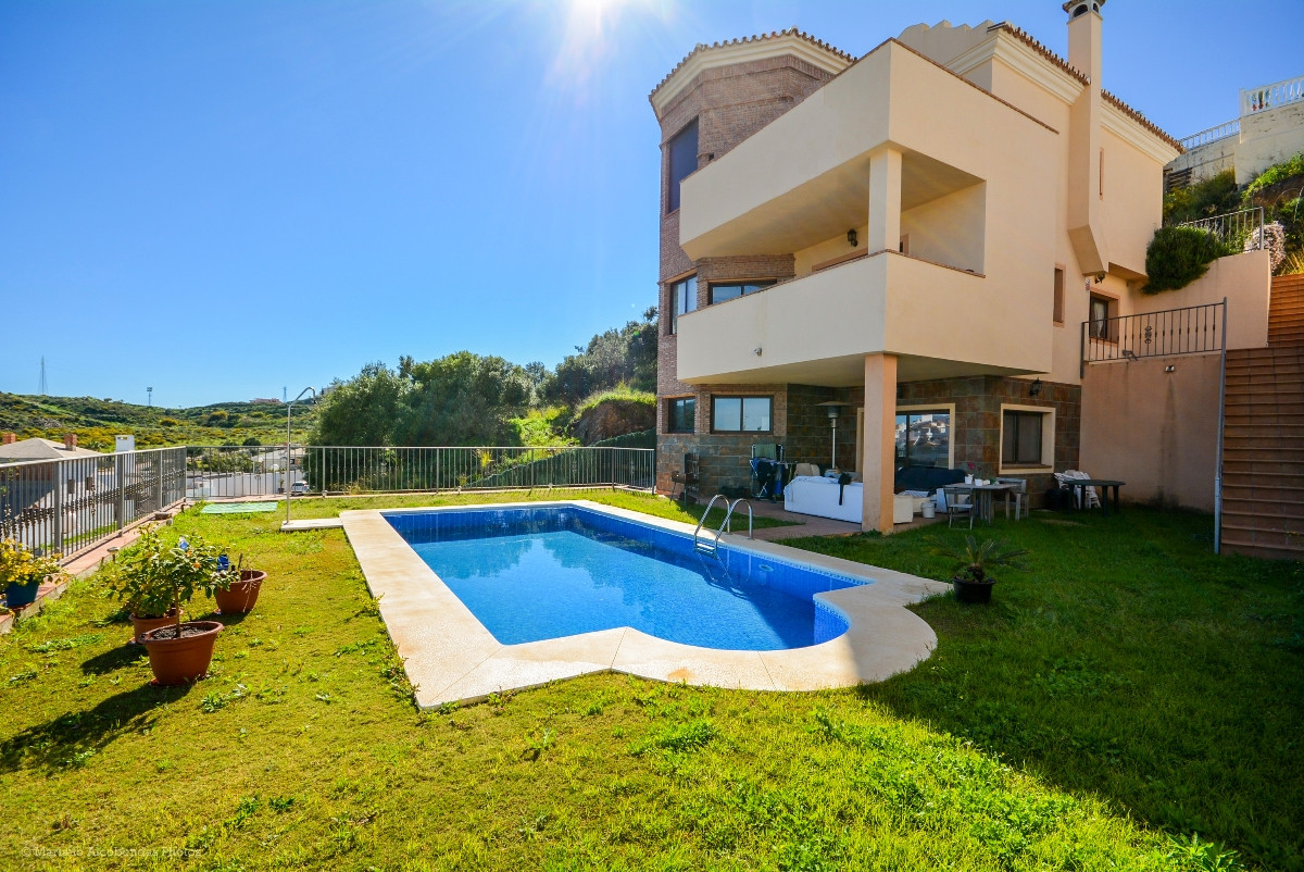 Beautiful Villa with beautiful views in Cerros del Aguila just 5 minutes from the beach and shopping,Spain