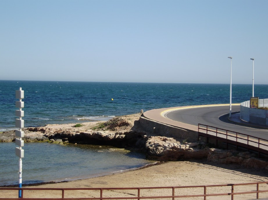 FIRST LINE 2 BEDROOM APARTMENT IN CURVA DEL PALANGRE, TORREVIEJA. This is a first line property with,Spain