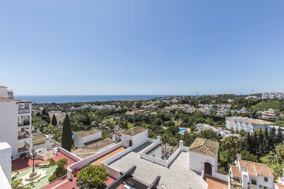 Superb 3 bedroom, 2 bathroom dupluex penthouse with incredible sea views. Spacious living room, gues,Spain