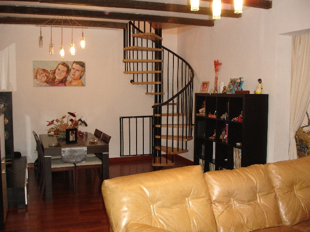 For sale large house on 2 levels on fields with 216 m2 consisting of living room with fireplace, 4 b, Spain