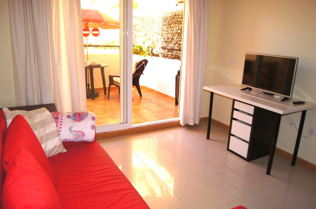 Nice one bed room apartment on sale in Los Pacos. Apartment has one bathroom, living room, kitchen a, Spain