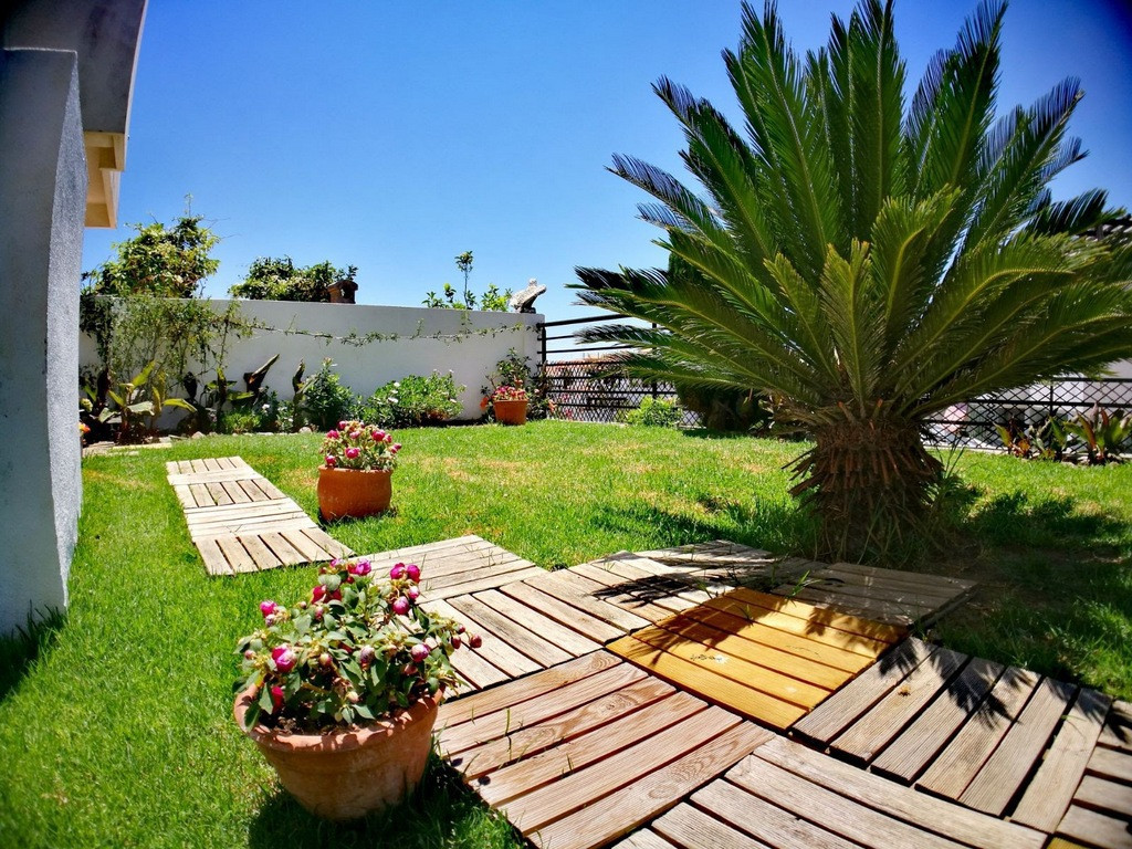 Ground floor with large garden, two bedrooms, two bathrooms, air conditioning, fully furnished, spac, Spain