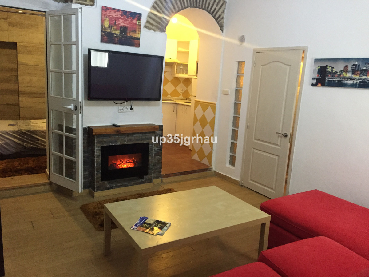 House transformed into 2 apratament independent in center Estepona. Investment to rent.  Townhouse, ,Spain