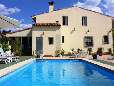 Large country house of 252m2 on a plot of 4917m2. In an area called Umbria and 6 KM from Ontinyent. ,Spain