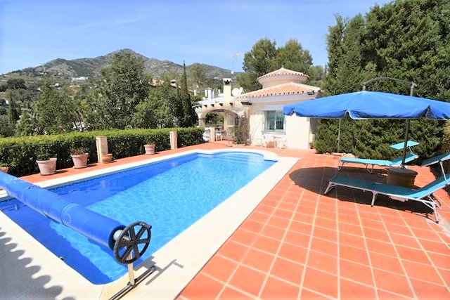 SITUATED IN THE SOUGHT AFTER URBANISATION LAS LOMAS DE MIJAS YOU WILL FIND THIS STUNNING FULLY FURNI, Spain