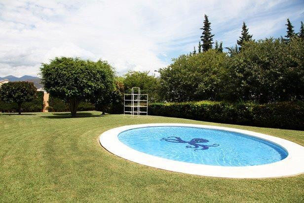 FANTASTIC LOCATION !! SEA AND MOUNTAIN VIEWS  2 bedroom property located in a gated complex in a gre, Spain