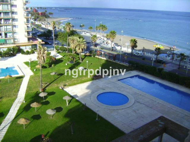 Top Floor Studio, Benalmadena Costa, Costa del Sol. Built 35 m², Terrace 3 m².  Setting : Beachfront, Spain