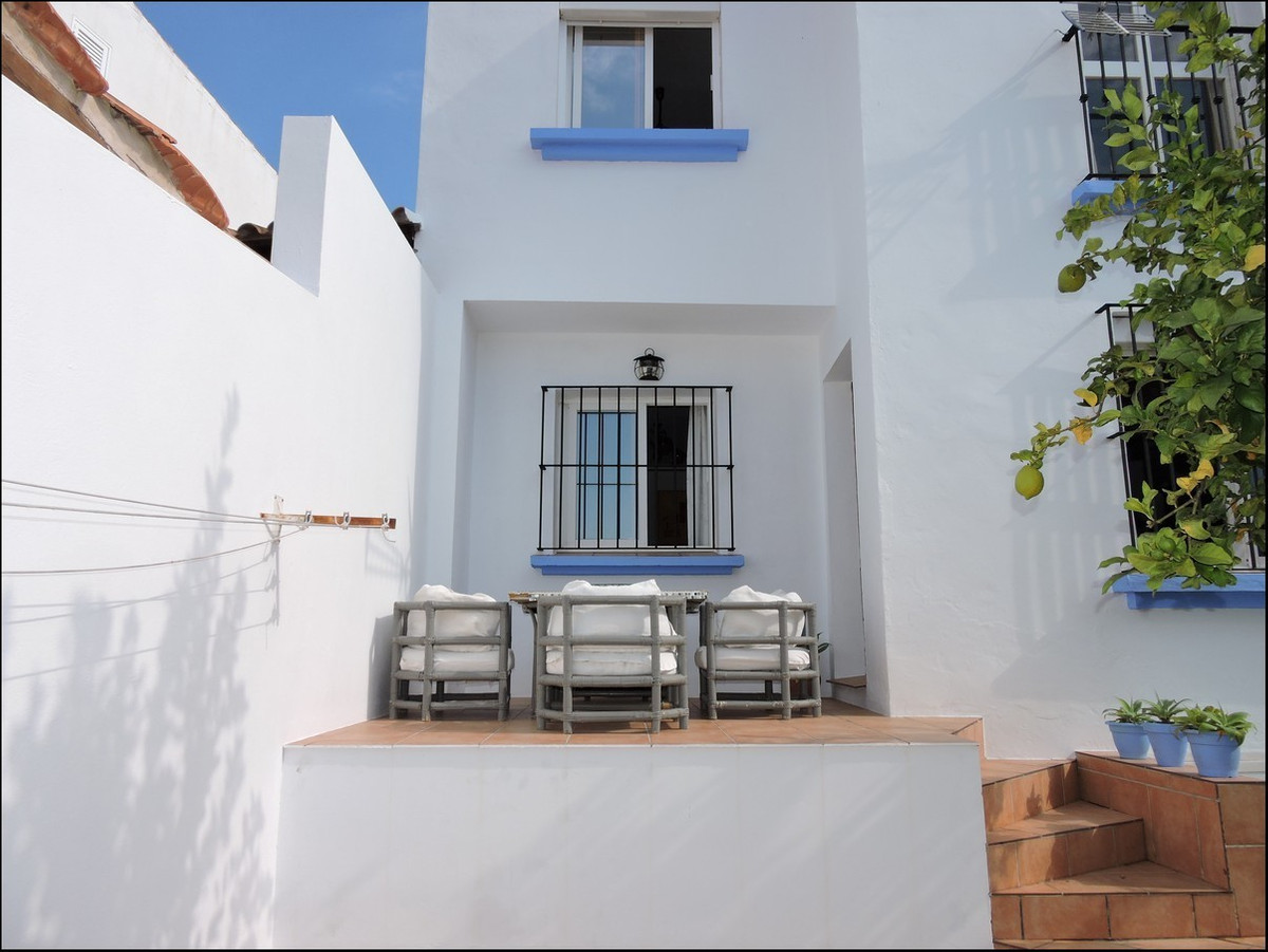 This fantastic house is situated in Torreguadiaro, it has total of 4 levels and is a mixture of rust, Spain