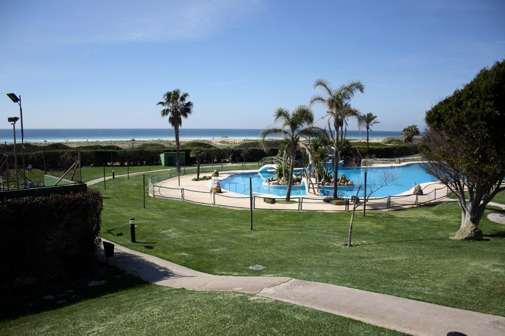Zahara of the Atunes !! In beachfront, magnificent apartment fully renovated in 2010. Great apartmen, Spain