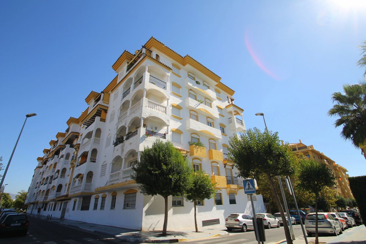 INVESTMENT OPPORTUNITY with 4% guaranteed rental! The property itself can be bought as an investment, Spain