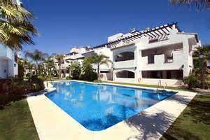 Great semi-new apartment located in a Mediterranean village style complex just 100 meters from the b, Spain