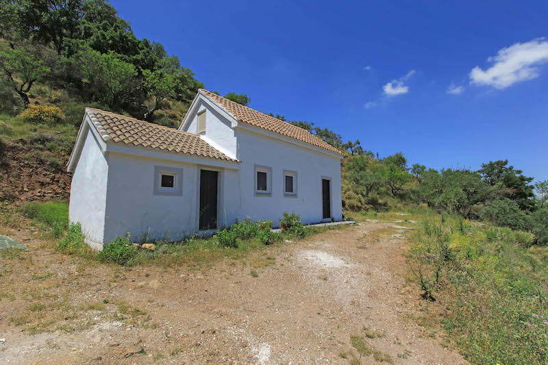 Country Finca.   Charming Location  This country finca sits in the hills near the pretty village of ,Spain