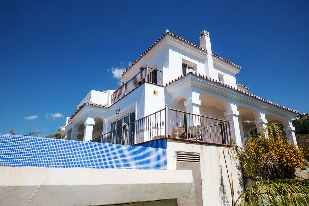Exclusive villa in Benalmadena with beautiful views built to very high standard.  Lovely house situa,Spain
