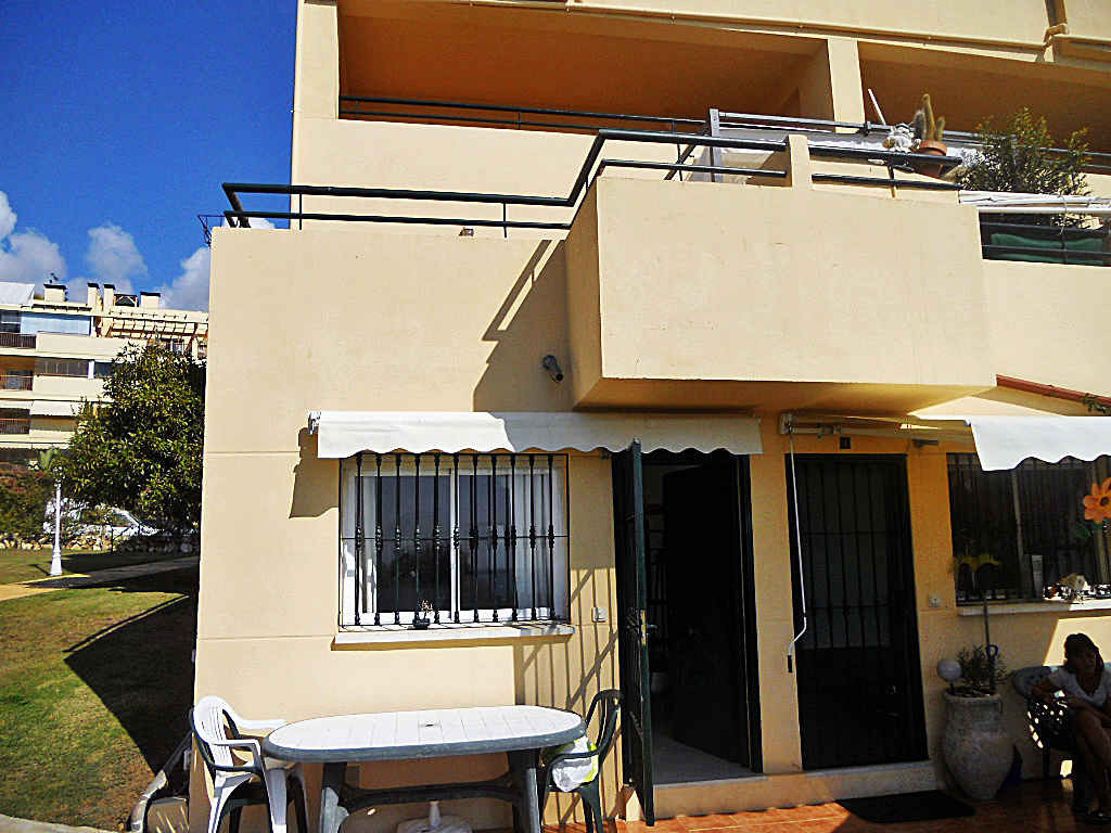 Duplex on the ground floor, with sea views, two bedrooms 1 bathroom, kitchen open to the living room, Spain
