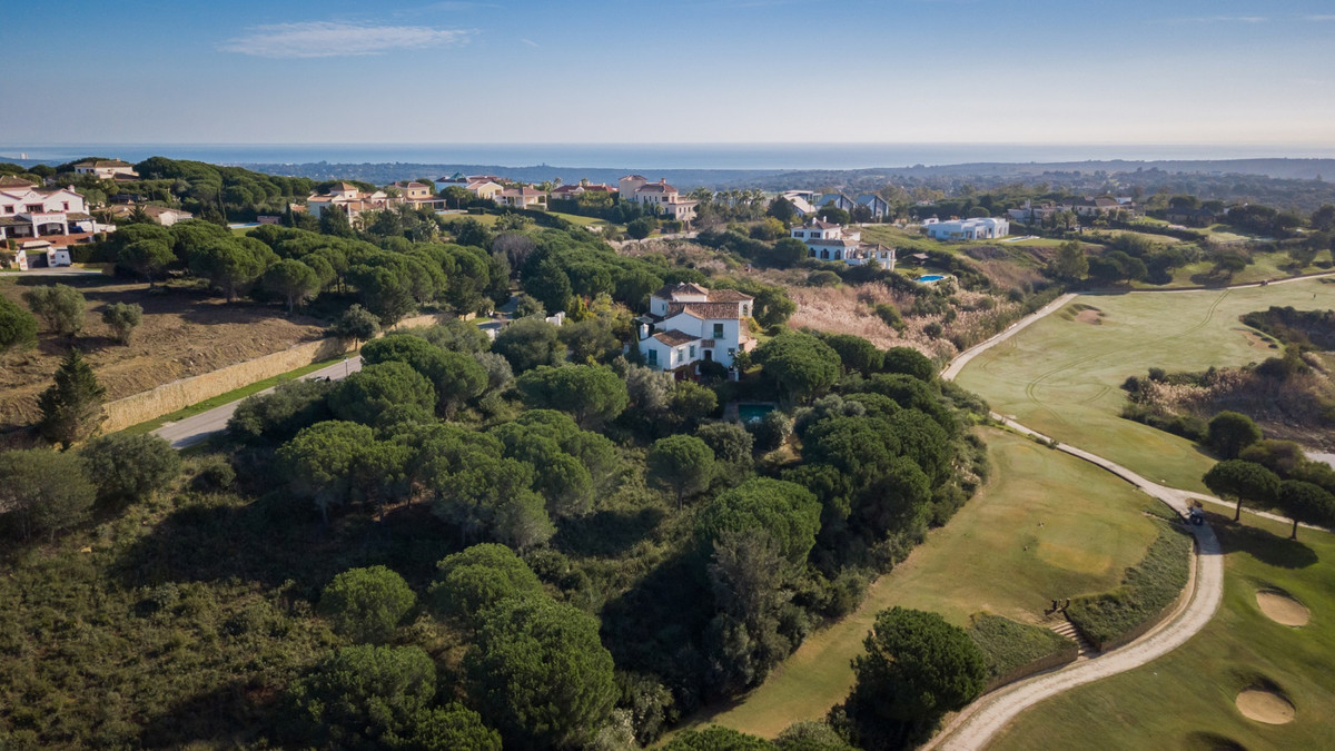 Situated in Sotogrande Alto, in a cul-de-sac just around the corner from the Almenara Hotel, this pl,Spain