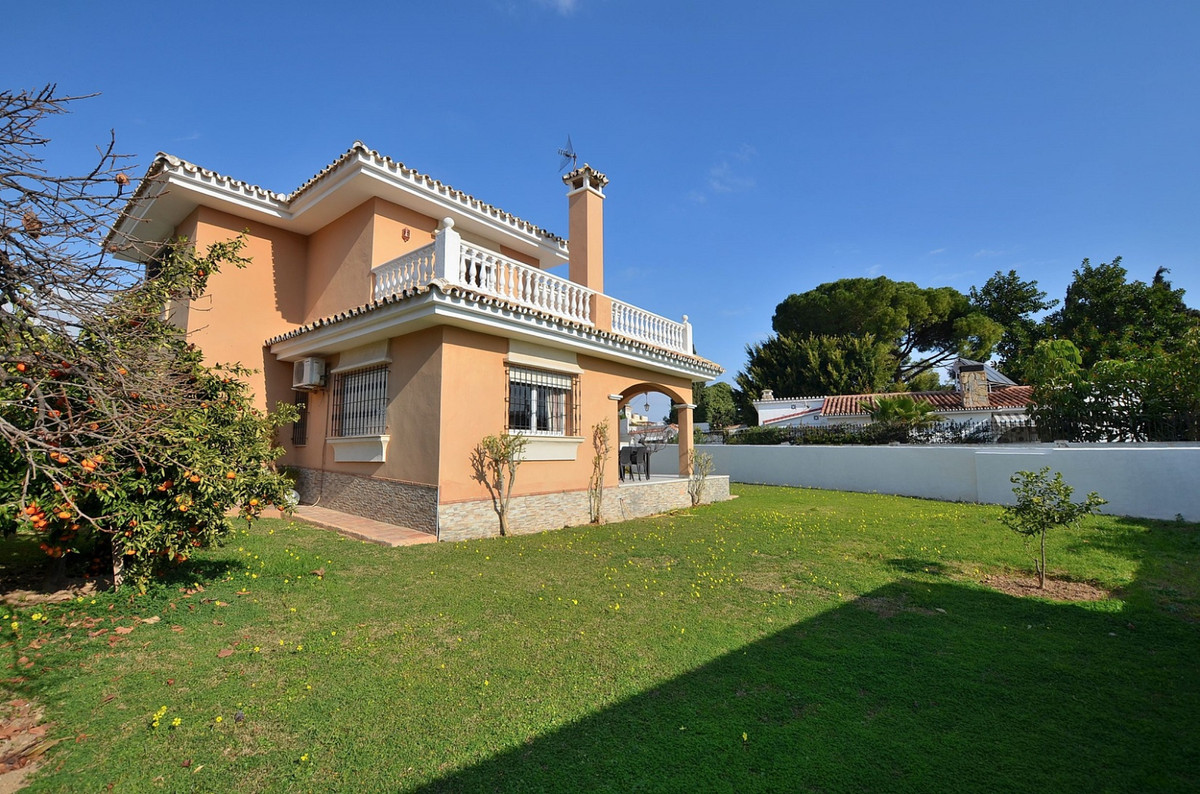 FANTASTIC VILLA WITH PARTIAL SEA VIEWS located in Benalmadena Costa, just 800 mts from the beach and,Spain