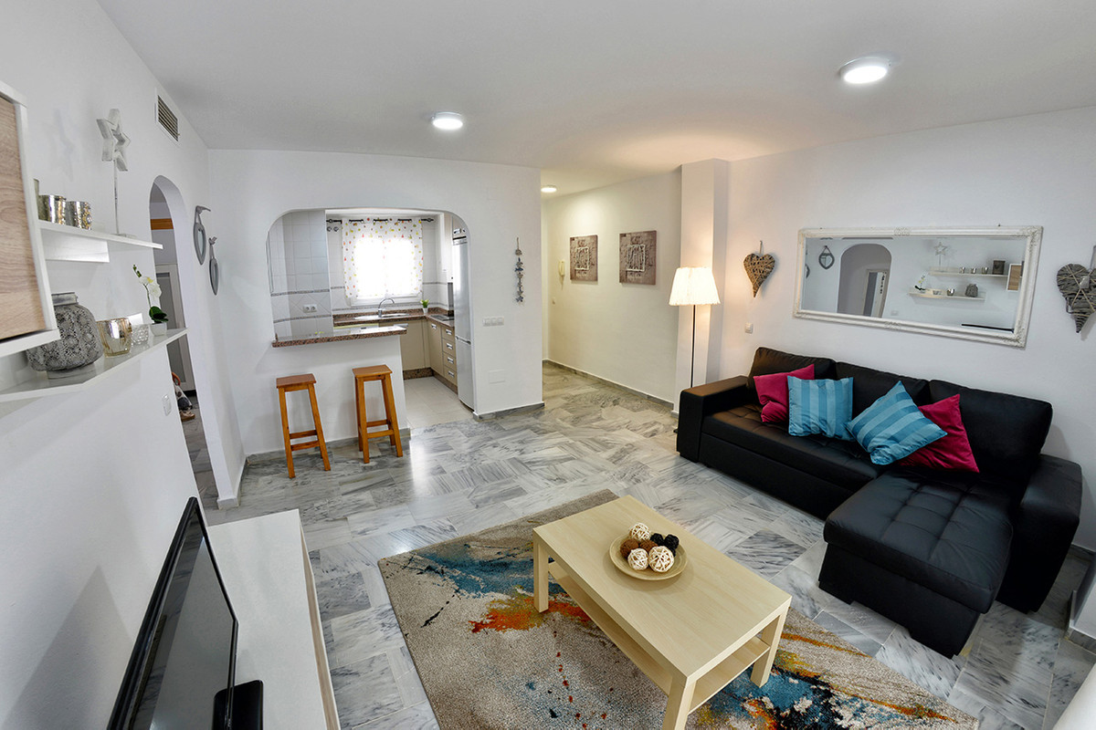 Middle Floor Apartment, Malaga only 2mn walking from historic centre, Costa del Sol. 3 Bedrooms, 2 B, Spain