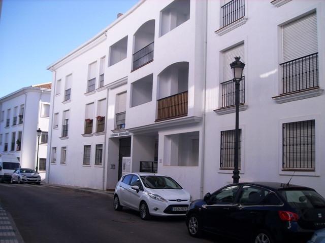 Acogedor apartamentoen el centro de Ojen. Oportunidad de vivir a 5 minutos de Marbella con la tranqu,Spain