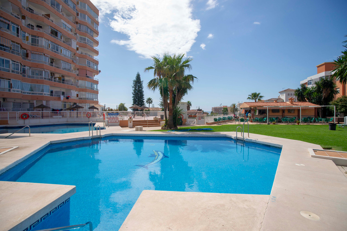 Great investment opportunity. Ingeniously redesigned studio the uses the available space to the maxi,Spain