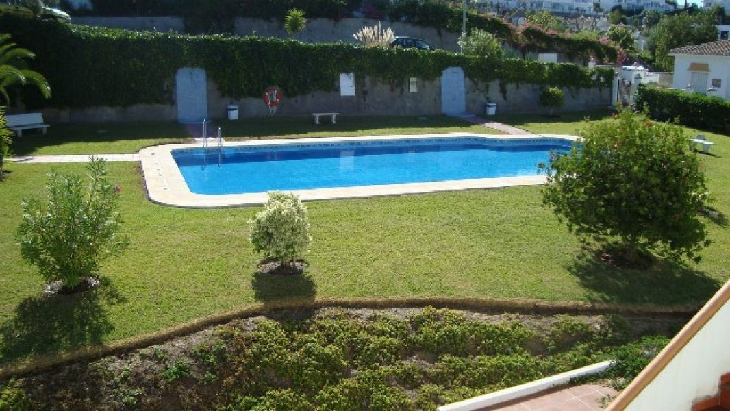 Beautiful 2 bedroom 1 bathroom ground floor apartment delightfully situated in highly manicured gard,Spain