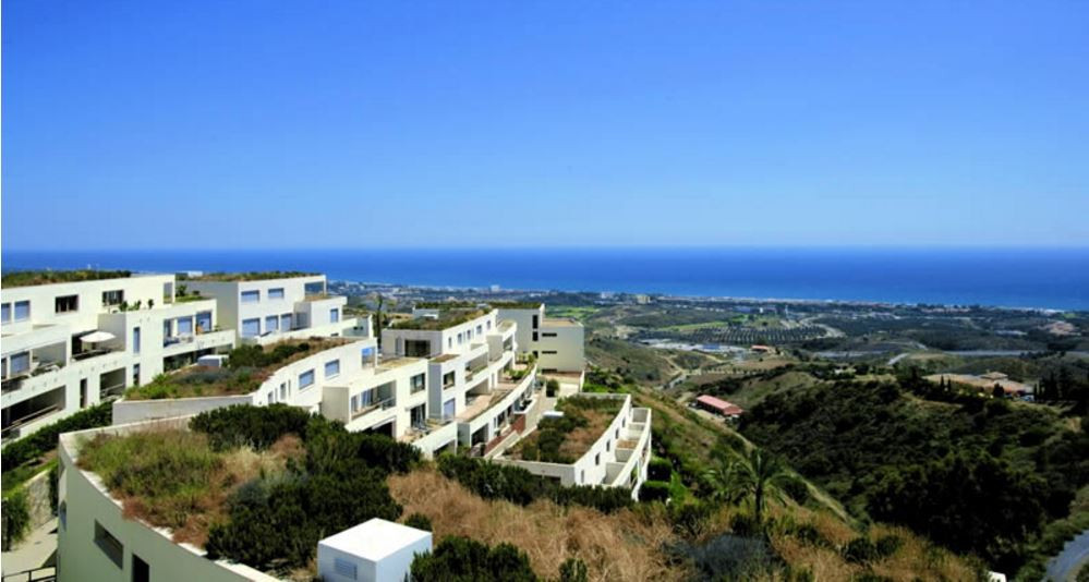 Excellent condition first floor apartment situated in Altos de los Monteros in an modern complex sit, Spain
