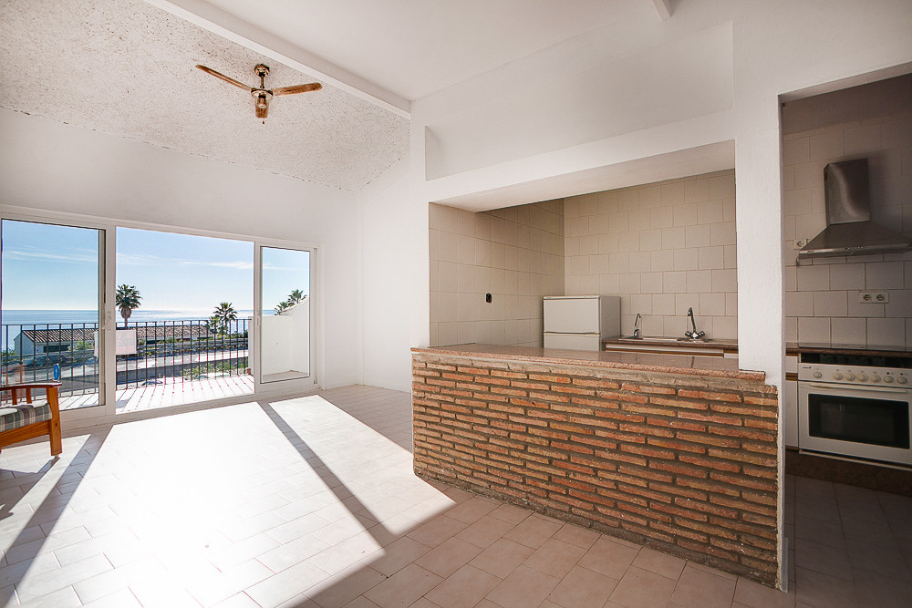 Fantastic opportunity to own a bright spacious apartment with panoramic sea views at an amazing pric, Spain