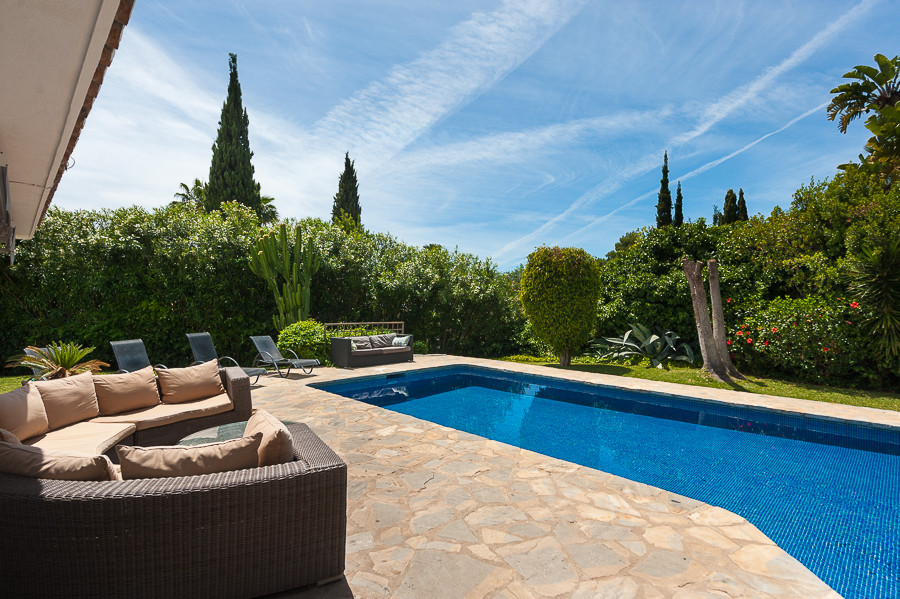 Originally listed for 1.695.000 €, and recently reduced to 1.400.000 €, situated in a quiet environm,Spain