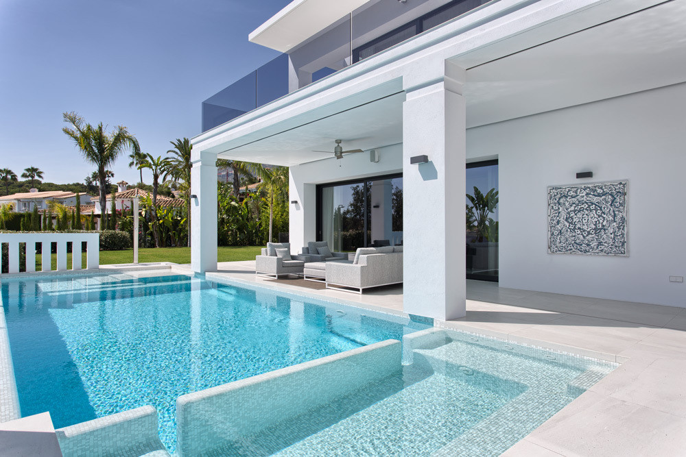 4 Bedroom Contemporary Luxury Villa is located in one of the most desirable areas of the Golden Mile,Spain