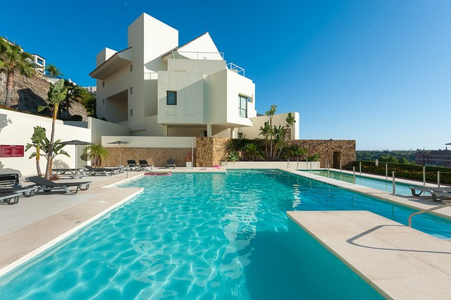 Originally listed for 399,950€ and recently reduced to 374,995€.  Fabulous luxury apartment situated,Spain