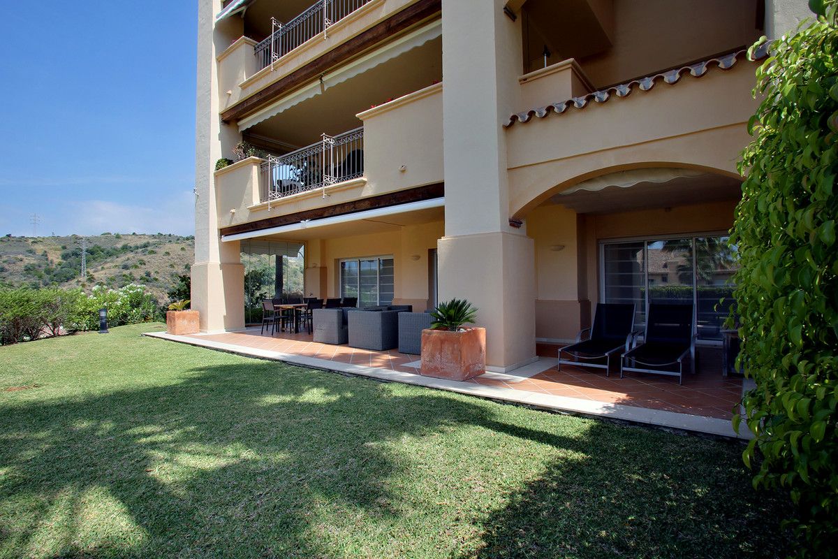 Lovely corner 3-bedroom apartment in Altamira Rio Real, probably the best ground floor unit in the a, Spain