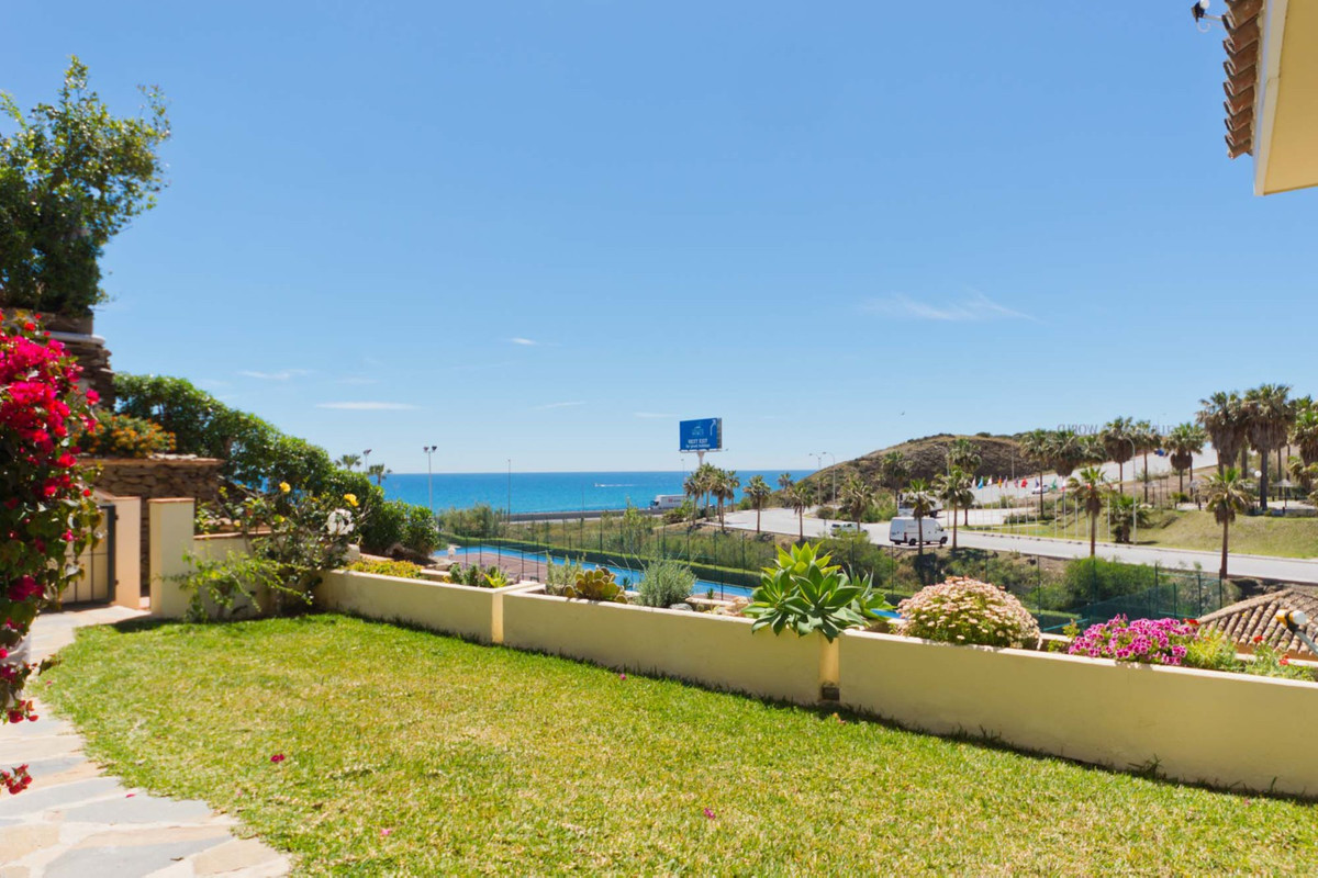 REDUCED FROM 275,000€ TO 245,000€!!!  Superb 3 bedroom apartment with Private garden and Sea Views a, Spain