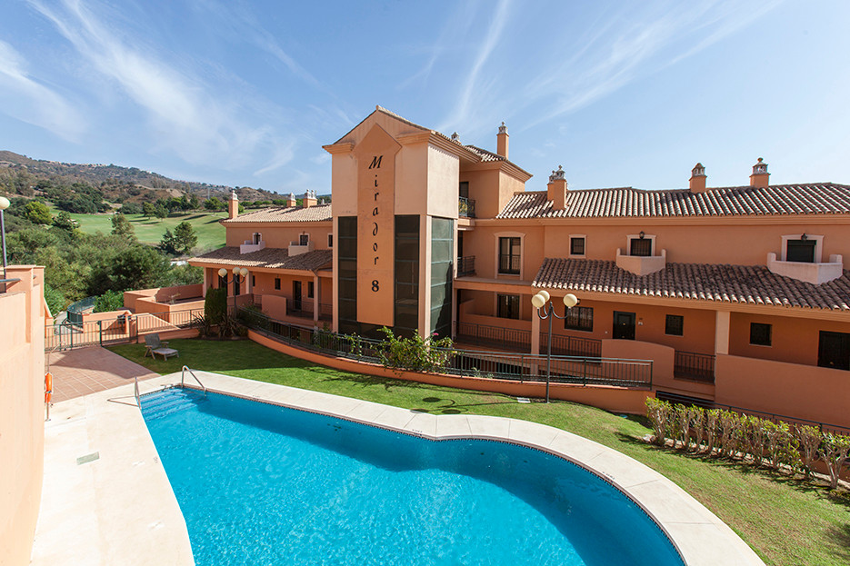 Just reduced for a fast sale! Great two bedroom property, ideal for golf enthusiast, located on the ,Spain