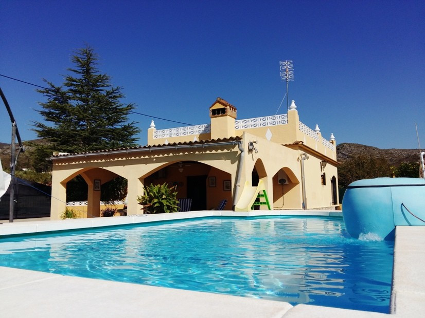 Well maintained 2 bedroom villa with open plan kitchen / lounge. Shower room and plenty of storage a,Spain