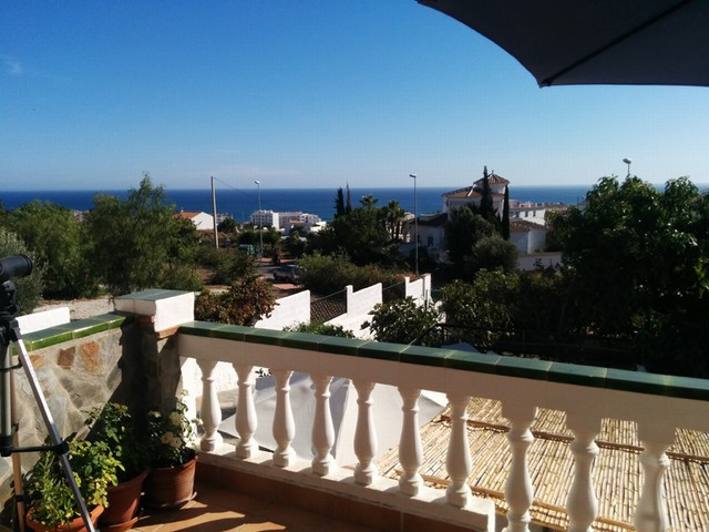 Large property consisting of three apartments.  The first apartment is distributed over two bedrooms, Spain