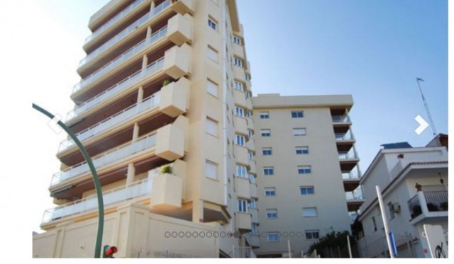 BANK REPOSSESSION, OFFERS WELCOME!! Apartment of 113m2 built, located in residential area with garde,Spain