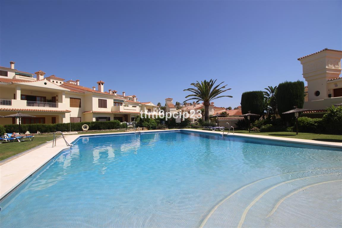 TAYLOR WOODROW LUXURY QUALITY. This property is located in the much sought after Los Castillos urban,Spain