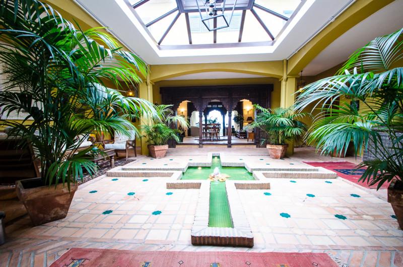 Detached Villa, La Mairena, Costa del Sol. Built 485 m², Terrace 30 m².  Setting : Mountain Pueblo, ,Spain