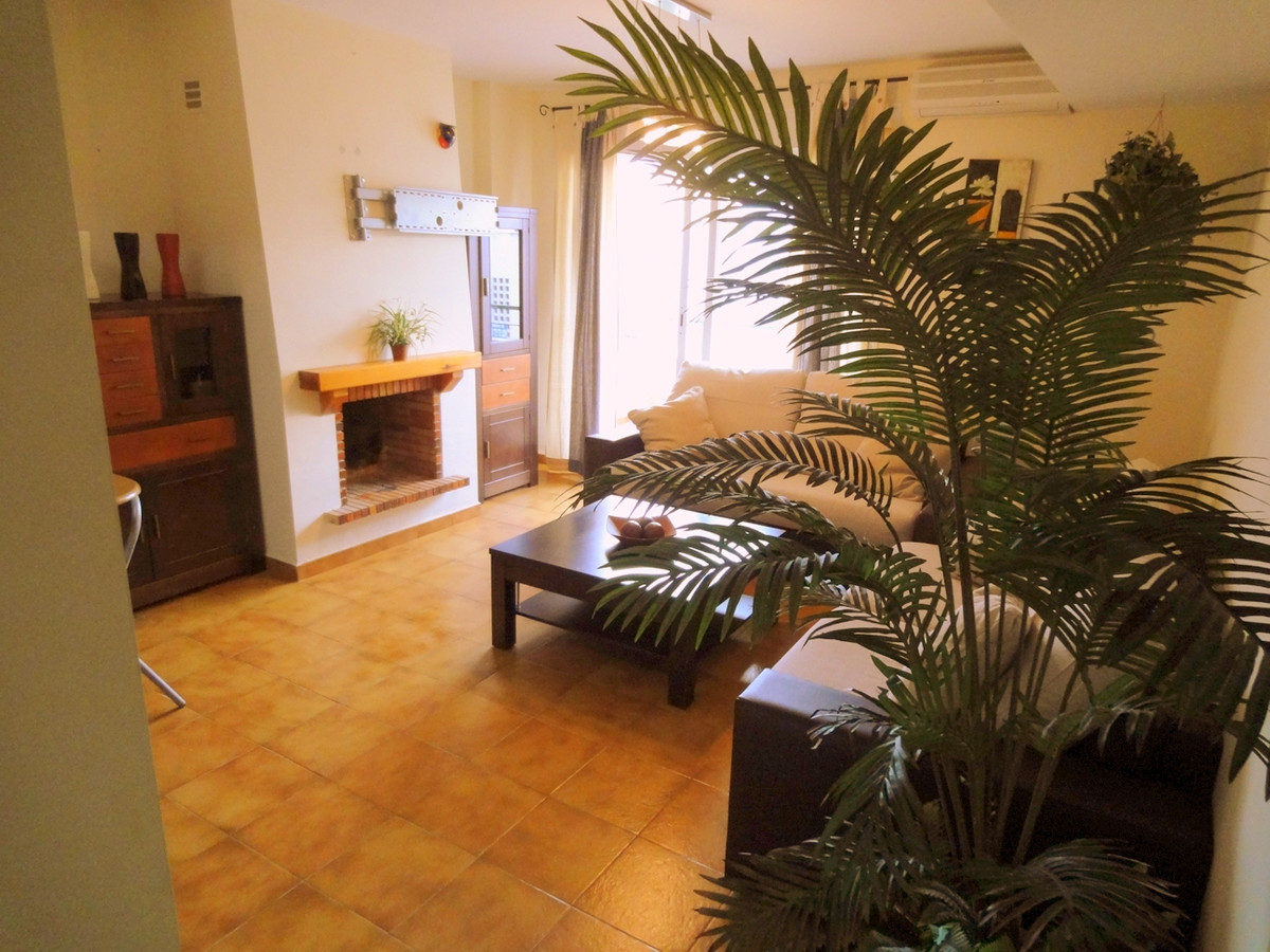 Apartment on a second floor in urbanization Eucalyptos, Calahonda. The apartment consists out of 1 b, Spain