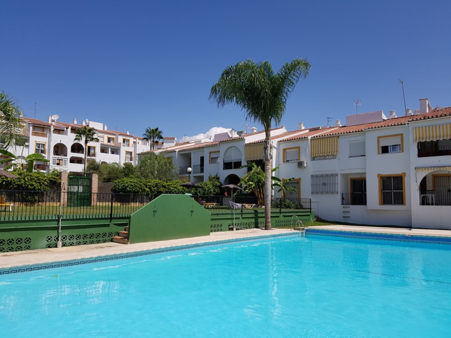 This ground floor property is old and it is in very good condition but would benefit from a complete,Spain