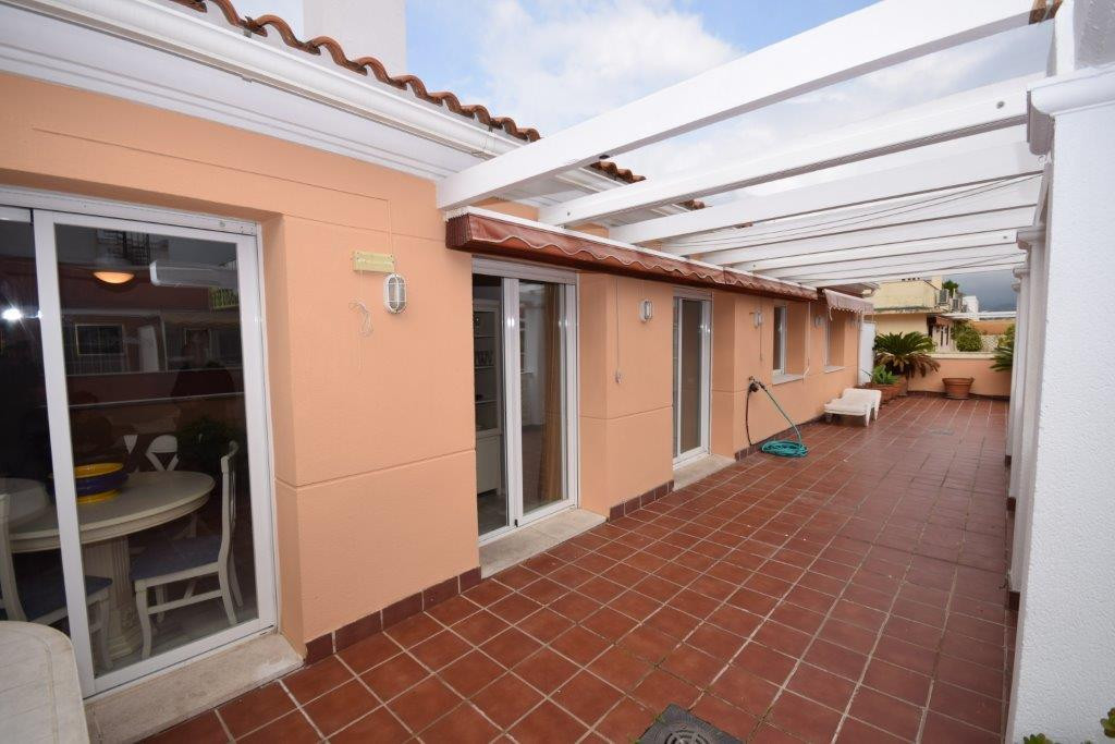 Nice 3 bedroom penthouse in the centre of San Pedro. 3 bedrooms, 2 bathrooms, fully fitted kitchen, , Spain