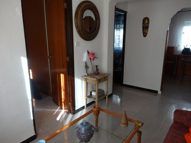 BARGAIN OPPORTUNITY!  This is a completely renovated 3 bedroom 1 bathroom house located in Alhaurin ,Spain