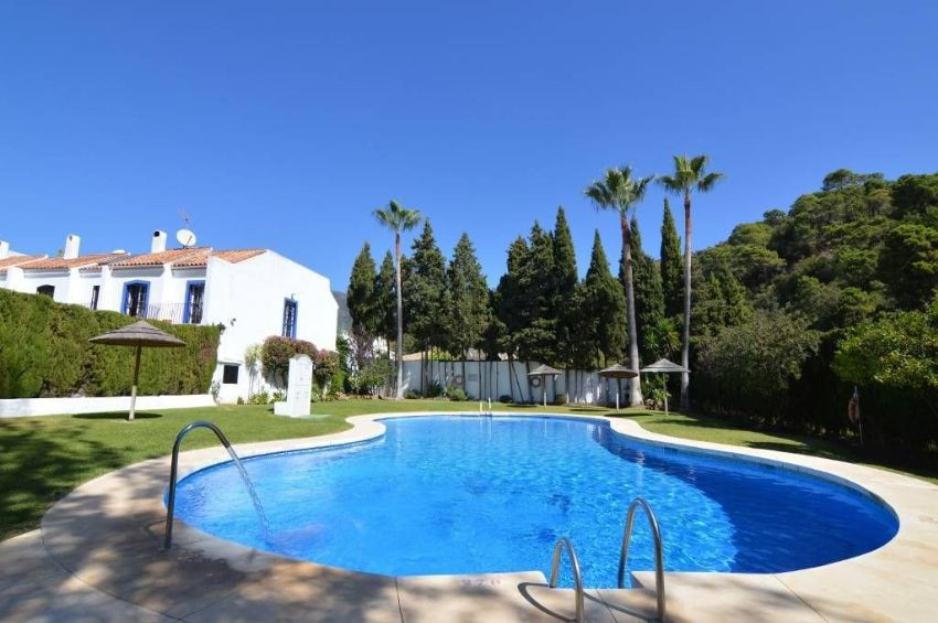Traditional 2 bed, 1 bathroom apartment in Benahavis Village overlooking the mountains. This apartme,Spain