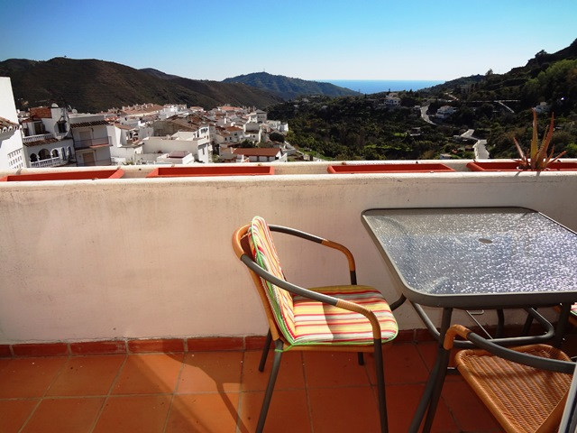 Atico Duplex with 2 bedrooms in Ojen.  The apartment consists on the main floor of a large dinning a, Spain