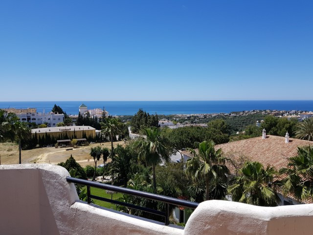 Penthouse in Calahonda, Mijas Costa. This penthouse is part of a community which offers garden and t,Spain