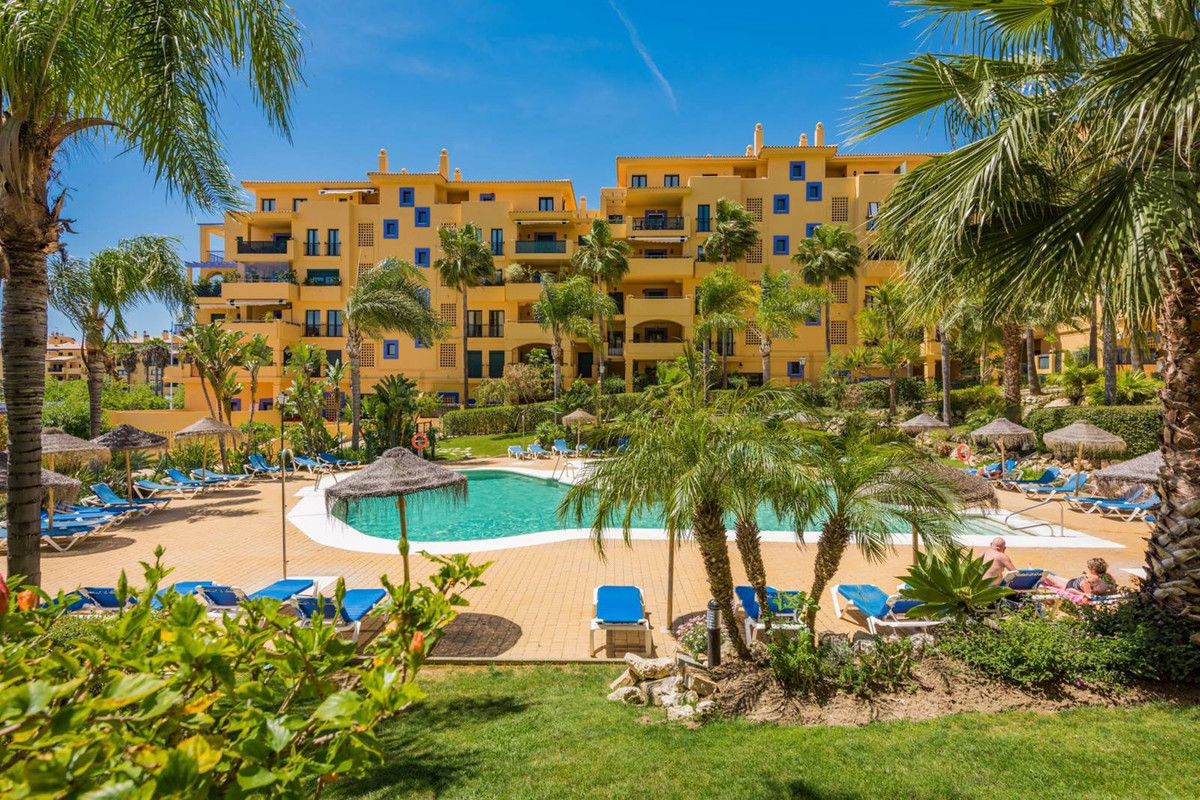 An unrivalled beachside location, walking distance to the beach, the inviting San Pedro promenade sp,Spain