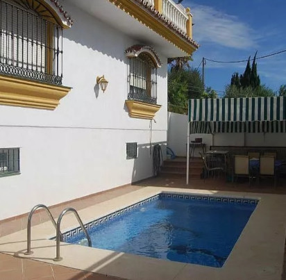 Charming  villa of 236m2 located in Urbanization El Romeral (Alhaurin de la Torre). This property co, Spain