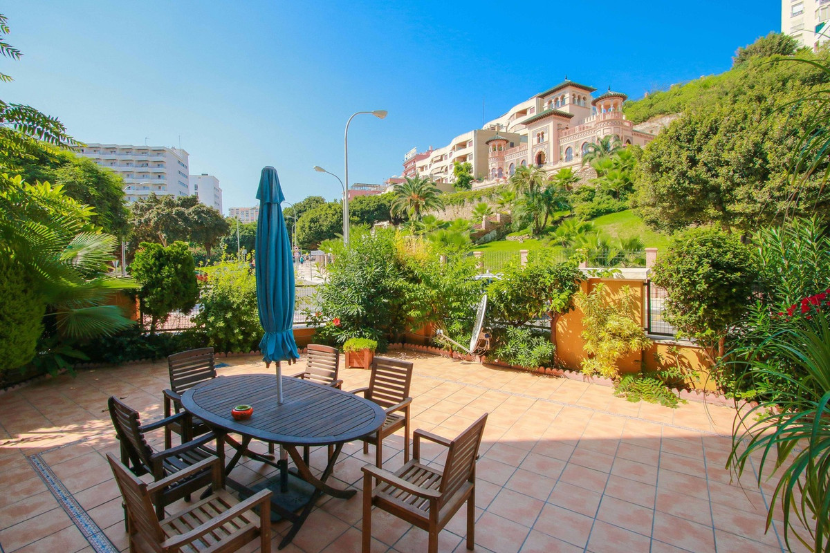 Torremolinos, Bajondillo, Ground Floor Apartment 3 bed. 2 bath. FOR SALE  Bright ground floor apartm, Spain