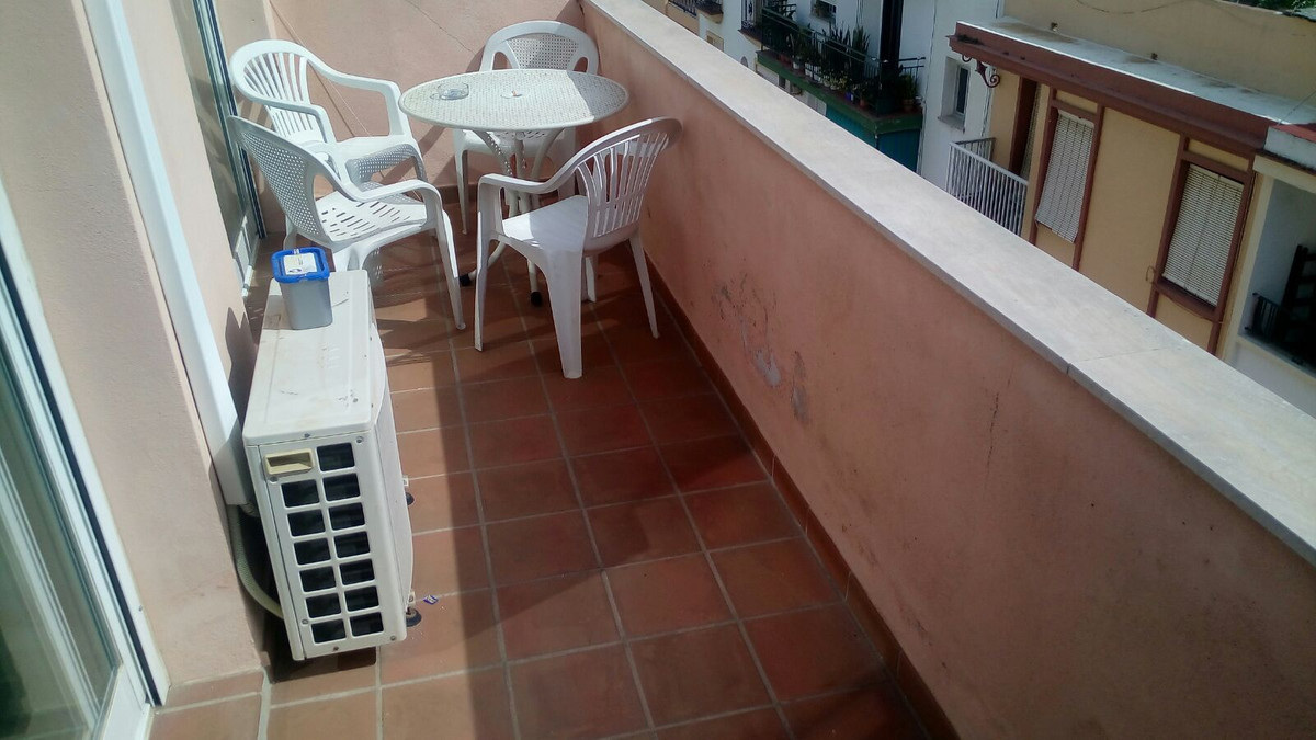 Fantastic penthouse in Los Boliches, 1 bedroom and 1 bathroom. Living room with kitchenette and a te,Spain